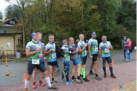 Zdjęcie grupki biegaczy