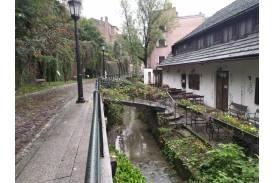 Cieszyński potoczek po prawej stronie restauracja