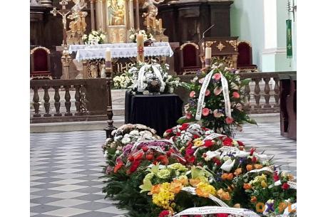 Pogrzeb osoby zmarłej, zakażonej zasadniczo nie różni się od zwykłego pochówku fot. ARC/ OX.PL