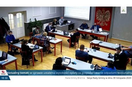 Screen z transmisji sesji Rady Gminy Brenna. Źródło: youtube.com (kliknij na zdjęcie, aby przejść do nagrania)