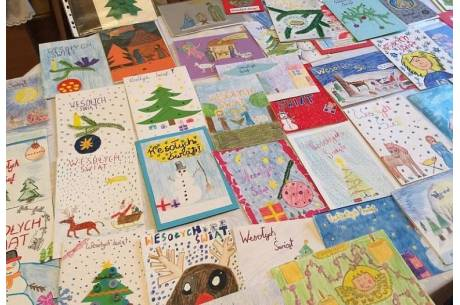 Współcześnie bardzo często organizuje się konkurs na najlepszą kartkę świąteczną. Fot: arc.ox.pl