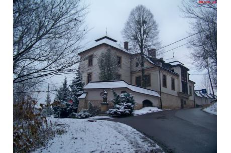 Zameczek w Błogocicach, zdjęcie wykonane w styczniu 2021. Fot. KR/Ox.pl