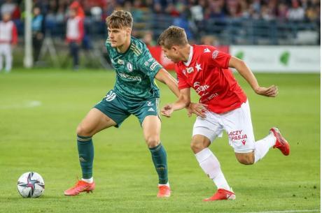 Kacper Kostorz (po lewej) i Piotr Starzyński. Fot. Legia.net