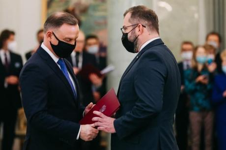 Grzegorz Puda odebrał nominację od prezydenta Andrzeja Dudy. Źródło: twitter.com/PremierRP