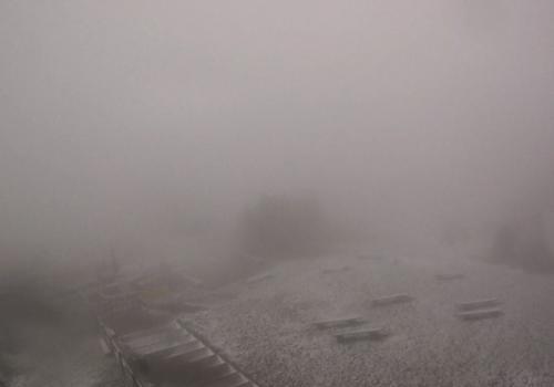 Pierwszy śnieg na Czantorii fot. Kolej Linowa Czantoria (widok z kamery)