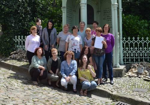 Zespół bibliotekarzy Biblioteki Miejskiej w Cieszynie, fotografia z czerwca br. Fot. BM Cieszyn